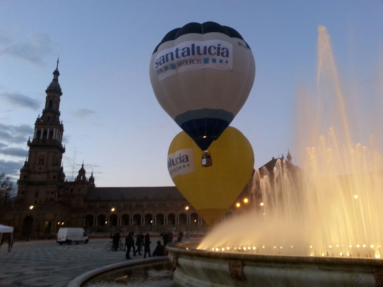Campaña Seguros Santalucía Plaza España (Sevilla)