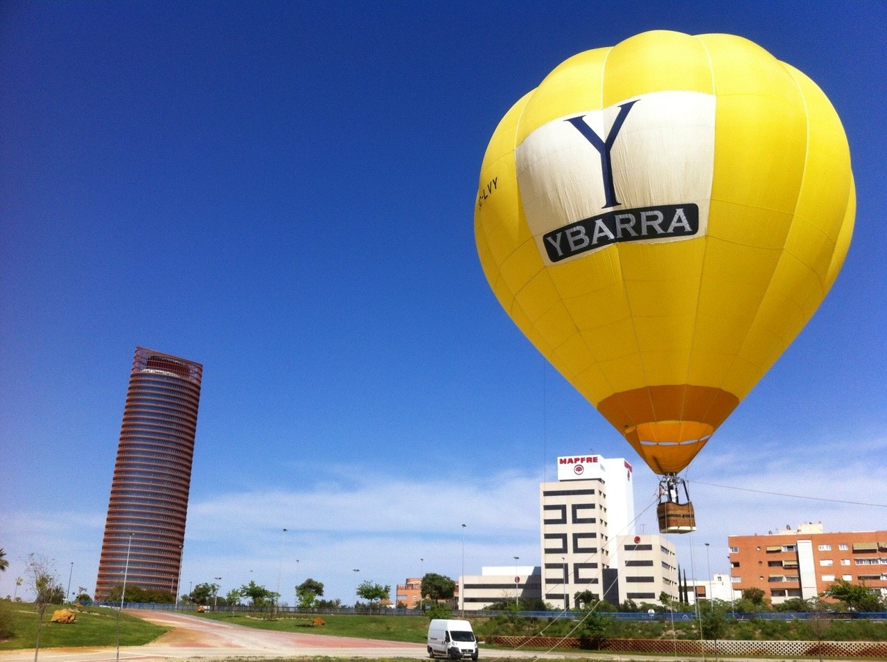 Ybarra se suma al balloon marketing